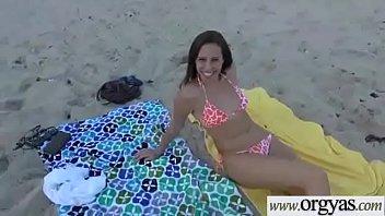 r on urinates girl kelly Camara oculta argentina mar del plata