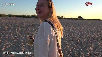 beach fuc public Hd 1080p esperanza gomez6