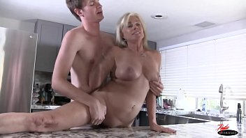 with sexy has anal sex salke milf Was tricked in to sucking my dick