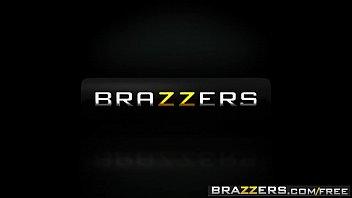 kardashian the brazzers brake internet satin kim Charlee sucks daughter boyfriend