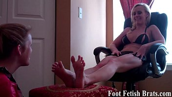 soles and mild toes Rocco siffredi and nacho vidal end midget
