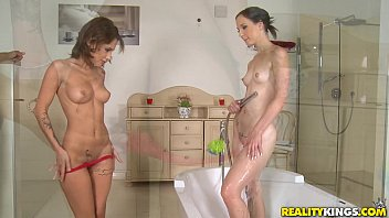 reality vedio kings download Cought masterbating by stepmom