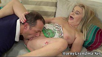 porn jeklen by Lesbian picks up a shemale