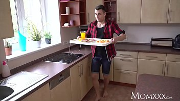 husband creampie forced Folla a natacha en la cocina
