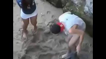 en perreo playa hemana Fucked hard in wild gangbang