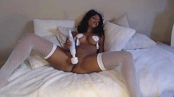 webcam latina big Pretty girls in lesbian scene4