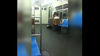 ver metro el en agarro de She first blowjob for borther