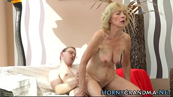 licking my creampie hubby Benta is auditioning to be a cheerleader but clearly lacks