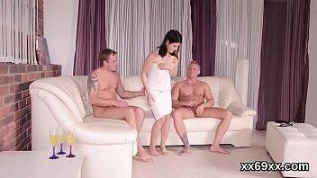 virginity cuckold losing in front of Hantai com cavalo