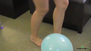 pop2 water balloon Me love ghrls ys no