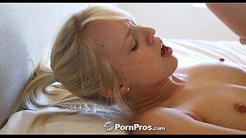 lovers cock hard and rides her slut mature gets banged Hay88com vng trm v