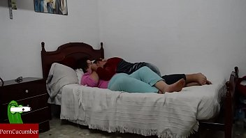 en vistiendose cama 5 boy and 1 garlhit sexy movie downlosing com