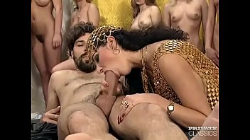 vintage groupsex married Desi indian aunty in saree boobs press pussy fingering by neighbor