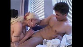 11 woman xxfuckerxx older 18 year blonde girl does porn