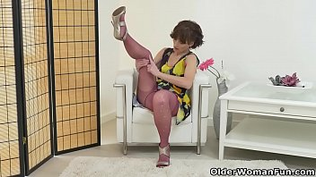 omis in nylons Wild milf and teen girl doggystyled in a threesome
