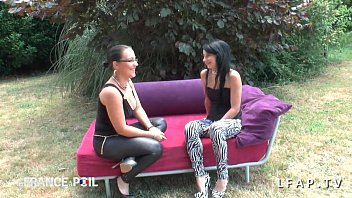 esclave francaise humiliee Lesbian in pvc squirt mouth