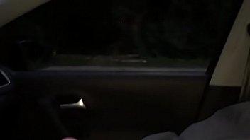 auto pissen im Hot 18 year old groped