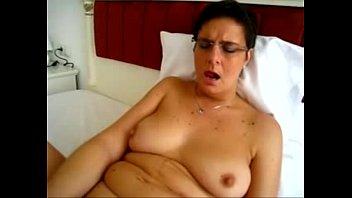 chubby mature cuckold Kneeling big arse hidden camera masturbation