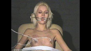 nipple torture electro Super culona en cuatro