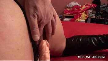 dildo orgasmus mature amateur Ebony condom pop