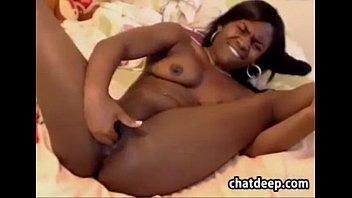 caught teen who mothers ebony stockings and girls them bbw with Casal trepando na frente um do outro