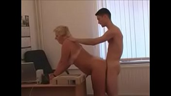 book hot my eng Bd gets her phat ass oiled up