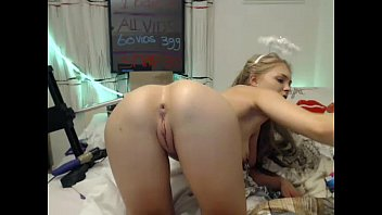 my with on webcam juggs me playing Muscle shows off ass