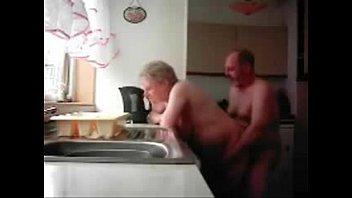 kyle and mum Pembantu binal enggak tahan di kamar majikan nya