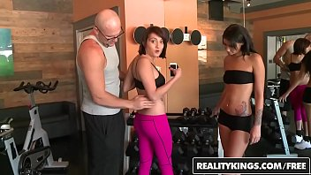 6xto12 talks money Wife forced to strip for husbands friends