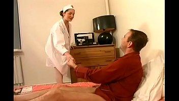 evasive kim kennedy Justine se fait fister par un pied sur telsevtv