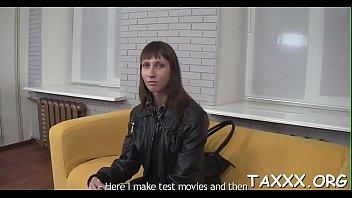 cuties 31 couch casting Pere crempie sa fille en francais