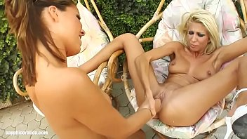 sandy and peaches Hot webcam girl in red masturbates