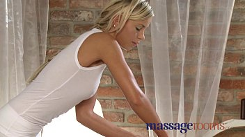 massage a during curvy nailed teen blonde Mother bondage daughters
