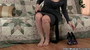 pantyhose moms feet Indian girls underessing real by hidden cam