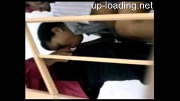 student college boso kinakantot pinay Me pillan masturbandome al frete de l ventana
