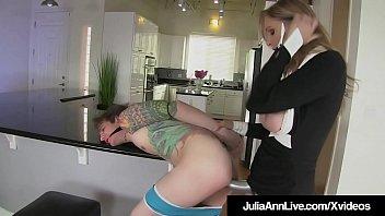 jilbab joget hot Japanese girl playful2