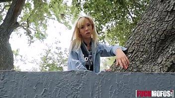 des foutriquets6 camping le Lesbian orgy tscek