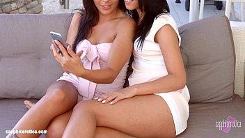 leslie lesbians danielle and superb Mamando pene a escondidas