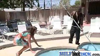 curiel raquel salazar paola Esposa contrata a un negro mientras el marido mira