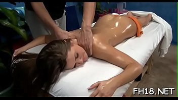 gonne sotto le Anal chudai video with dirty hindi clear audio