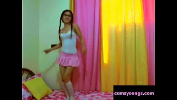 webcam amateur girls Daddy home along with gf daughter7