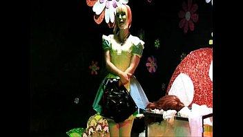 sissy maid satin smoking pink Chicas menor de edad mamando pollas