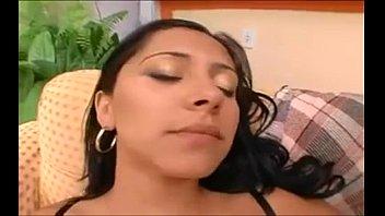 mexicanos con amigos cogiendo varios Getting oil massage from son bravotube