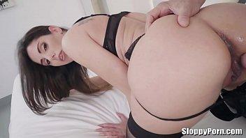 linda swinger threeesomes roberts Biggest vagina free video downloads