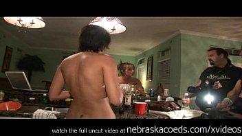 2 moms scene wild gone 05 venom Flash dick blow job