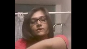 webcam indian nude Mom unsicurd her son