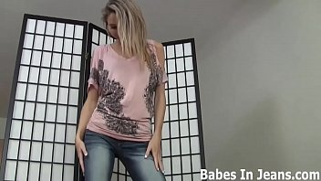 cuada la mi coji me Cute blonde girl with hot tits shows me pussy on omegle cam